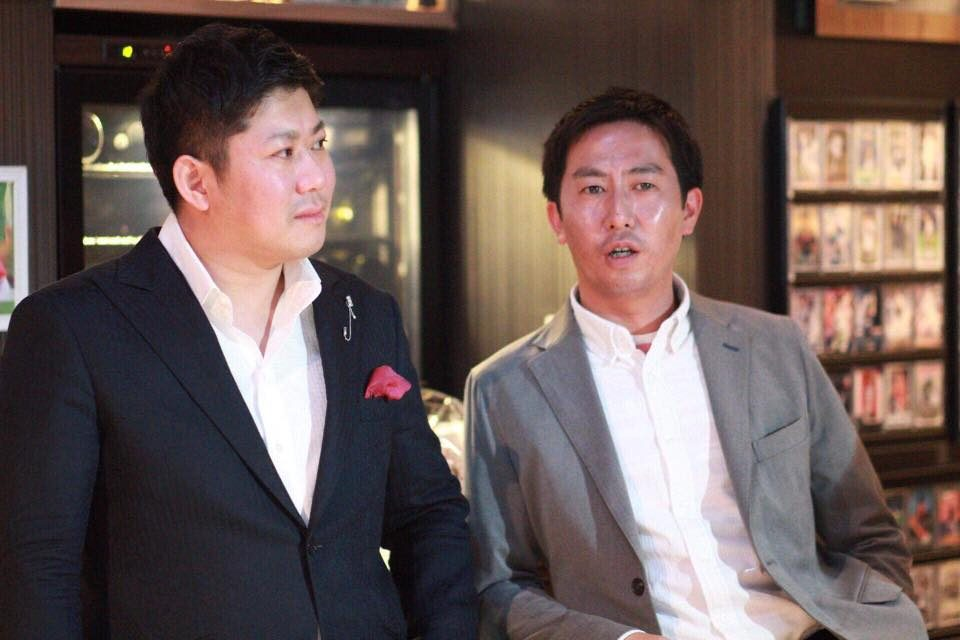 Clover出版ファウンダー会長・小川泰史(左) Clover出版営業本部長・桜井栄一